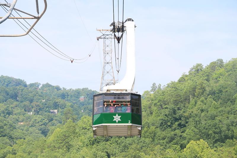ober-gatlinburg-aerial-tramway-2