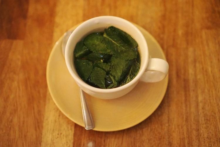 Fresh mint tea from Petek | gluten free Turkish restaurant in Finsbury Park | Stroud Green | North London | gluten free restaurants in London