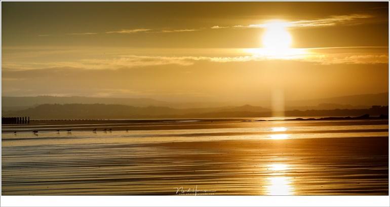 Het begin van een zonnige dag (140mm | ISO100 | f/11 | t=0,4 met grijsfilter)