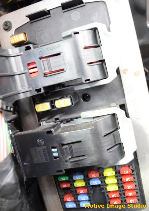 small resolution of under dash fuse block