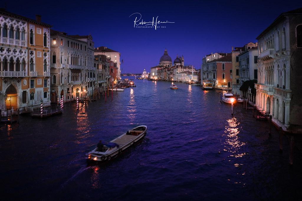 El gran canal  La ciudad de Venecia en Italia constituye la  Flickr