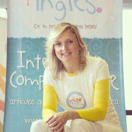 Pollito Inglés quiere conocer a las Mamas Digitales sostiene Vanessa Marcano.