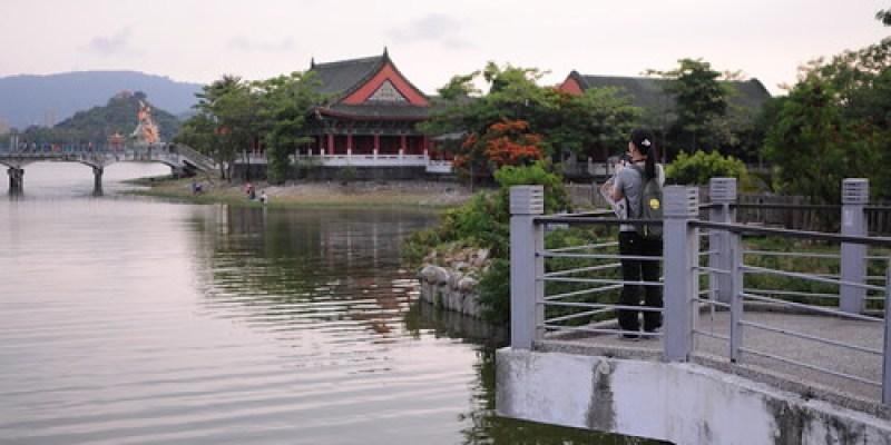 【鐵馬行】跟著李明則老師的〈左營蓮池潭〉一畫遊蓮潭(13.9ys)