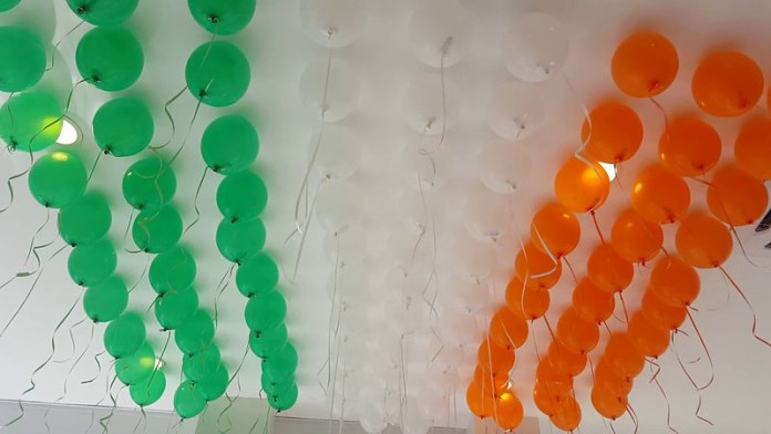 independence day decoration ideas office