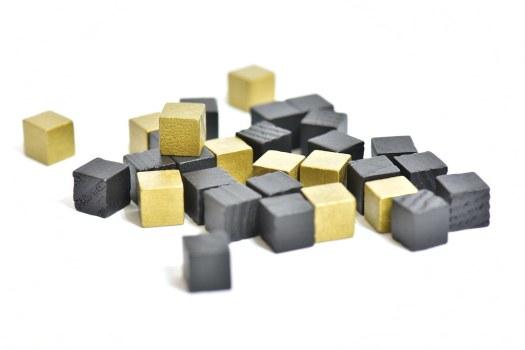 金色與黑色方塊