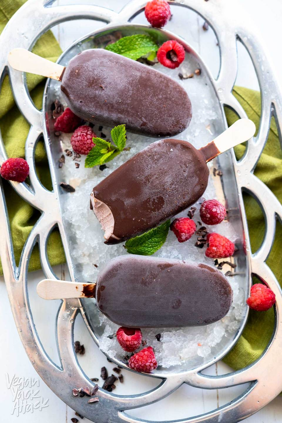 Summer is such a bright and happy season, let's have another reason to look forward to it with these Raspberry Acai Chocolate Bars! Here are three ways to make the best of both. #vegan #soyfree #dairyfree #glutenfree