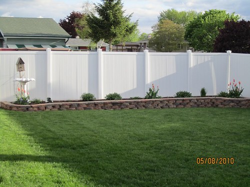 vinyl fence and landscaping