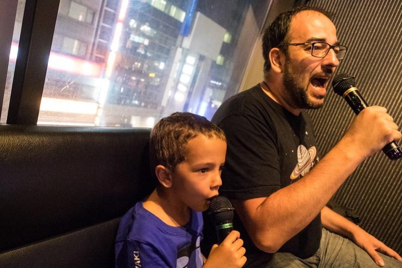 Karaoke, uno de los pasatiempos favoritos en Japón