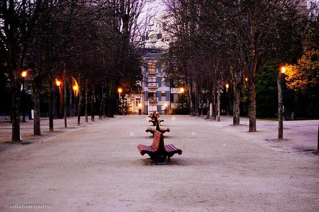 Lamp and Chair, Palacio.jpg