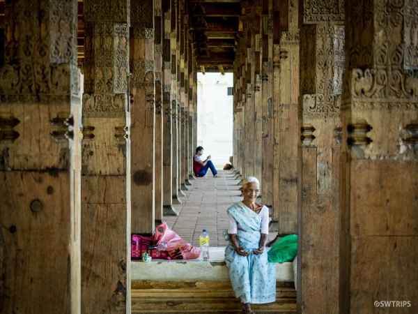 Worshipper at the Sacred Tooth Temple - Kandy, Sri Lanka.jpg