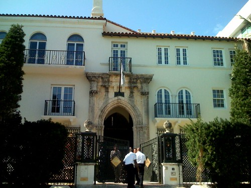 Versace Mansion on Ocean Drive in South Beach  Gianni