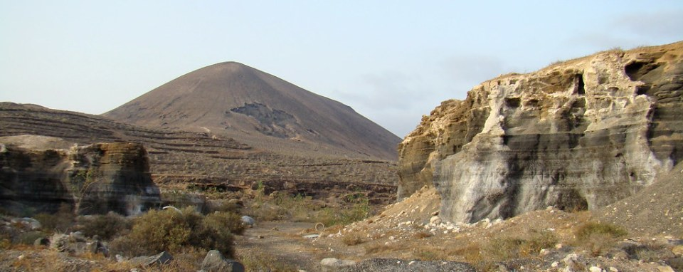 Los Roferos Montaña de Guenia municipio de Teguise Lanzarote 02