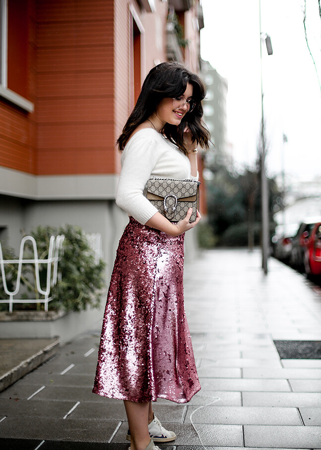 falda-lentejuelas-rosa-midi-isabel-marant-sneakers-farfetch-myblueberrynightsblog8