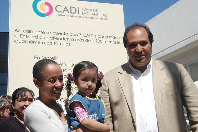Lzaro Crdenas Batel y su esposa Mayra Coffigny Gobernad
