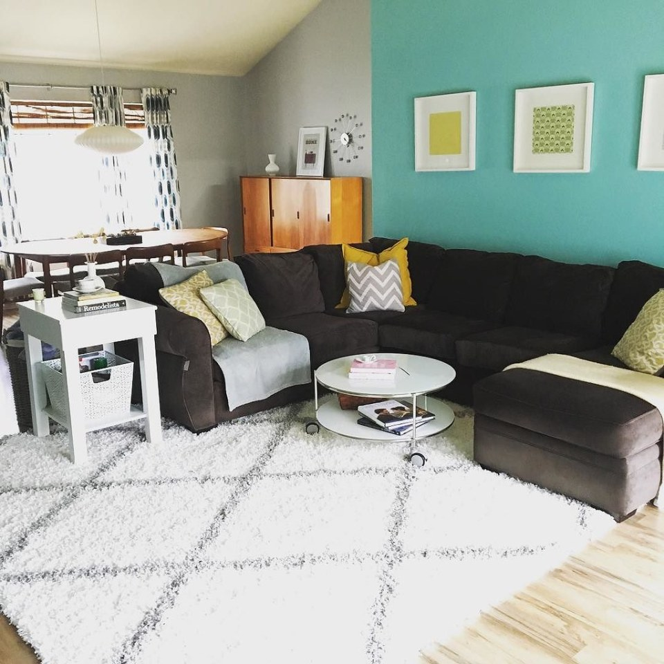 Enjoying our stylish new rug from @wayfair in our living room! #homedecor #wayfairathome #cozyhome
