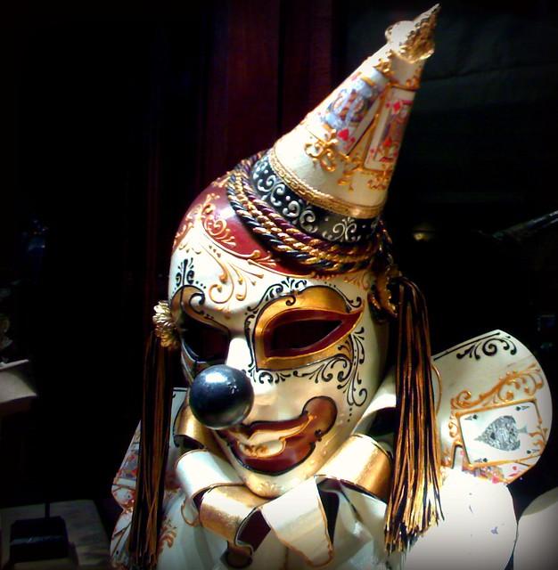 Clown Mask Burgundy White Gold Black I Was Walking Past Br Flickr