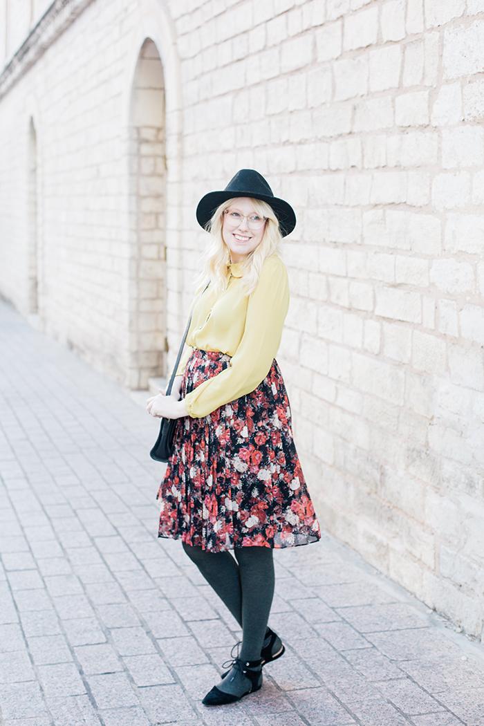 austin fashion blogger floral midi skirt winter outfit7