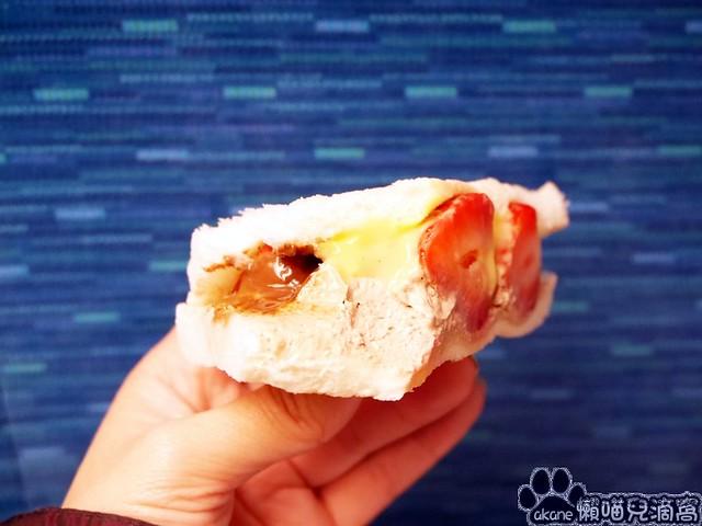 草莓三明治