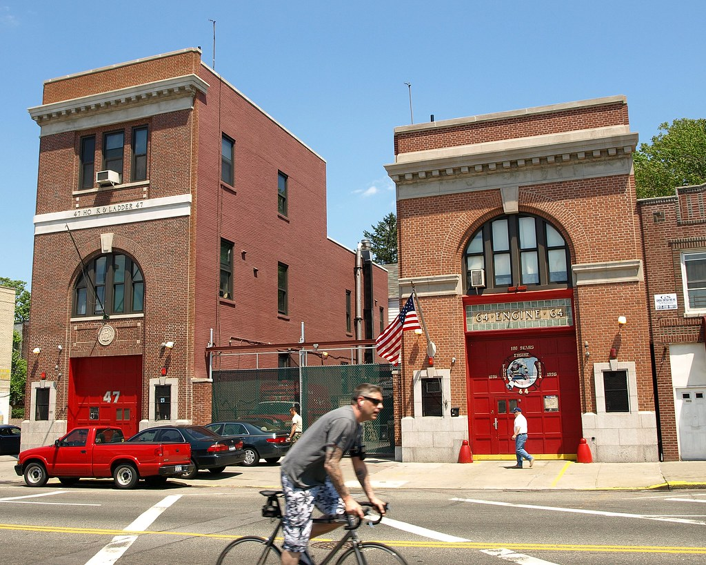 E064 FDNY Firehouses Engine 64  Ladder 47 Castle Hill B