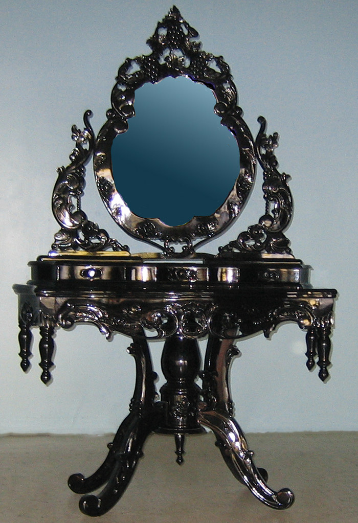 4116 BEAUTIFUL ORNATE HIGH GLOSS BAROQUE VANITY  Make