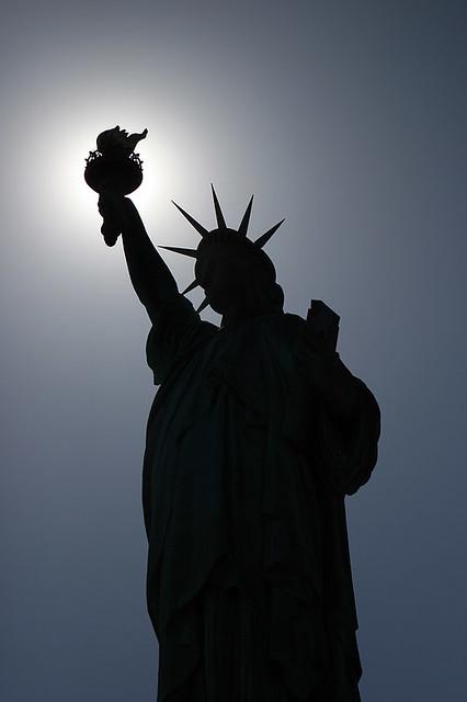 La Iphone Wallpaper Statue Of Liberty Silhouette Ios4 Retina Display Flickr