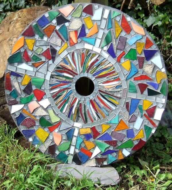 Mosaic Garden Stepping Stones Ideas