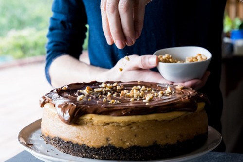 sprinkling a bit of crunch on this creamy cake