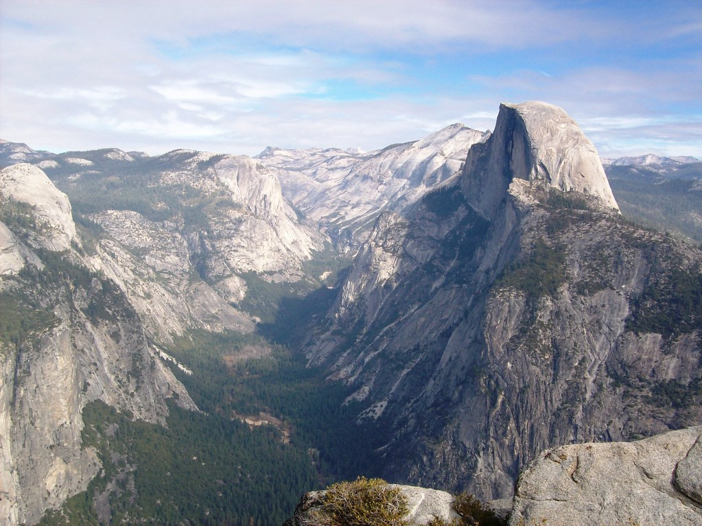 Yosemite Valley and Half Dome along Four Mile Trail view