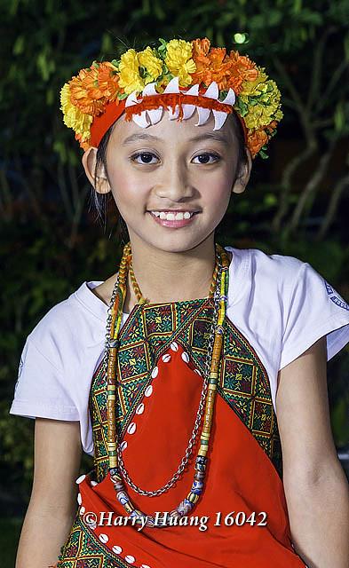 Harry_16042,原住民少女,原住民學生,原住民小朋友,女孩,學生,兒童,孩童,花環,魯凱族,多納黑米祭,黑米… | Flickr