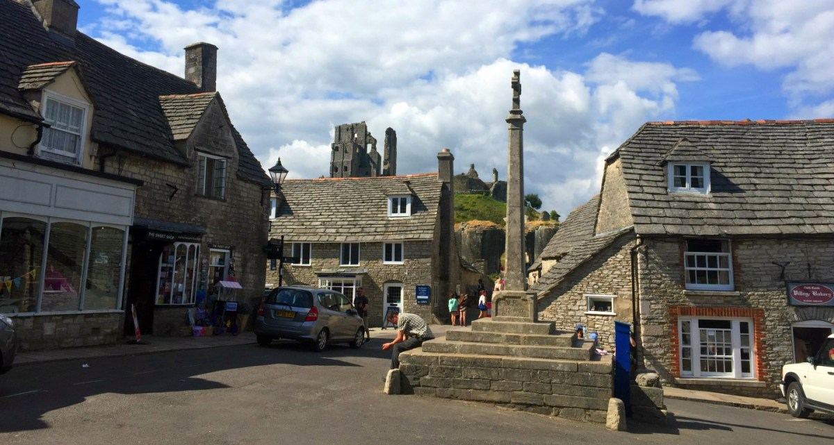 "Castillo de Corfe - La Bruja Novata - Inglaterra castillo de corfe Escenarios de ""La Bruja Novata"" – Castillo de Corfe 32050384653 f140013e30 o"