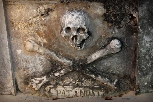 Pirate tomb