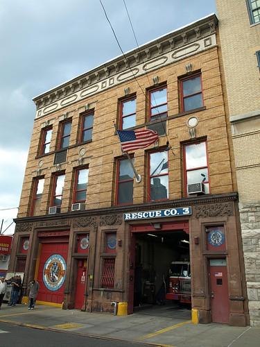 R003 FDNY Firehouse Rescue 3  Collapse Rescue 3 Bathgate