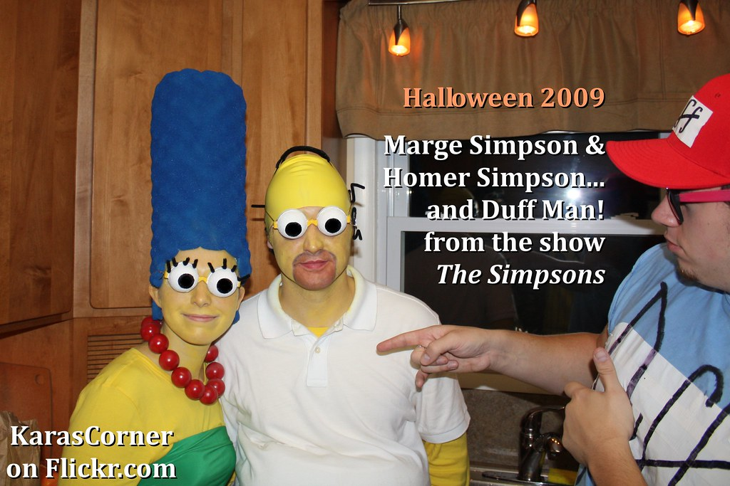 Marge Simpson and Homer Simpson from The Simpsons homema
