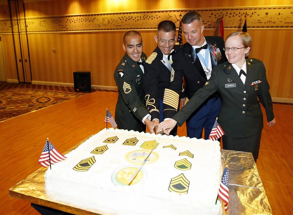 Alaska Soldiers Celebrate Army S 234th Birthday Cutting