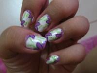 nail art design violet flower