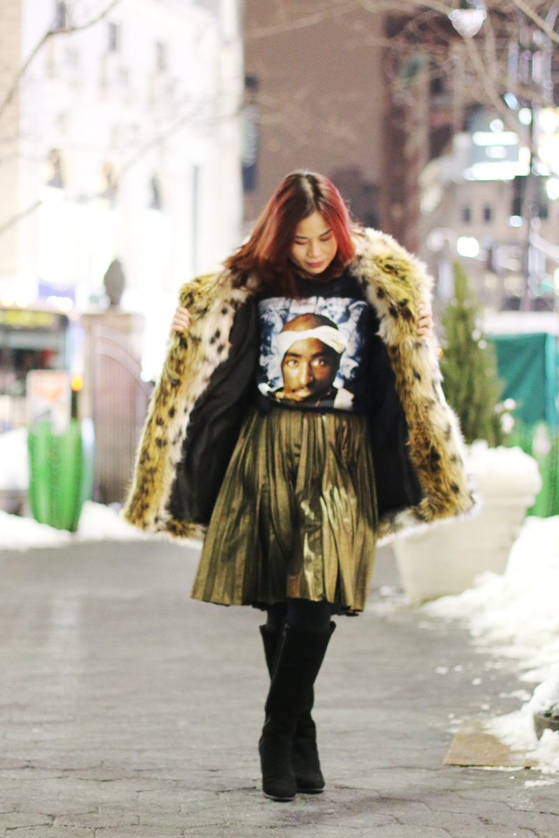 Tupac-shirt-leopard-coat-gold-pleated-skirt-1