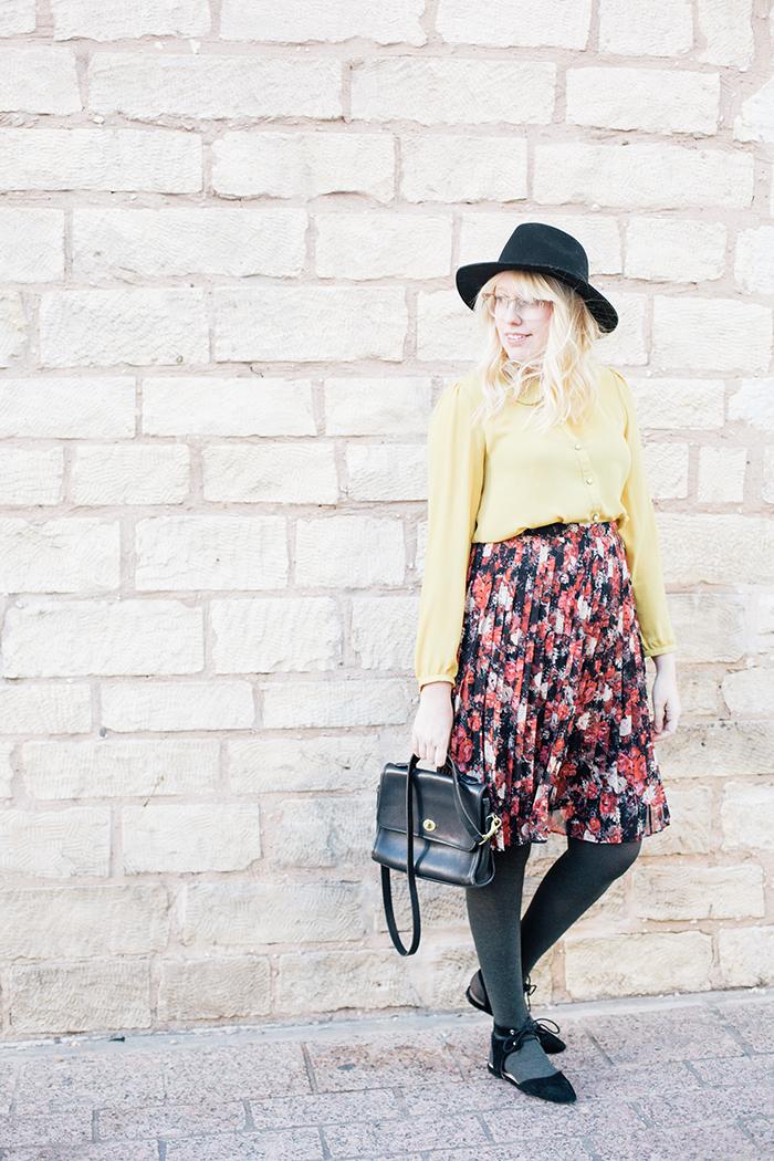 austin fashion blogger floral midi skirt winter outfit13