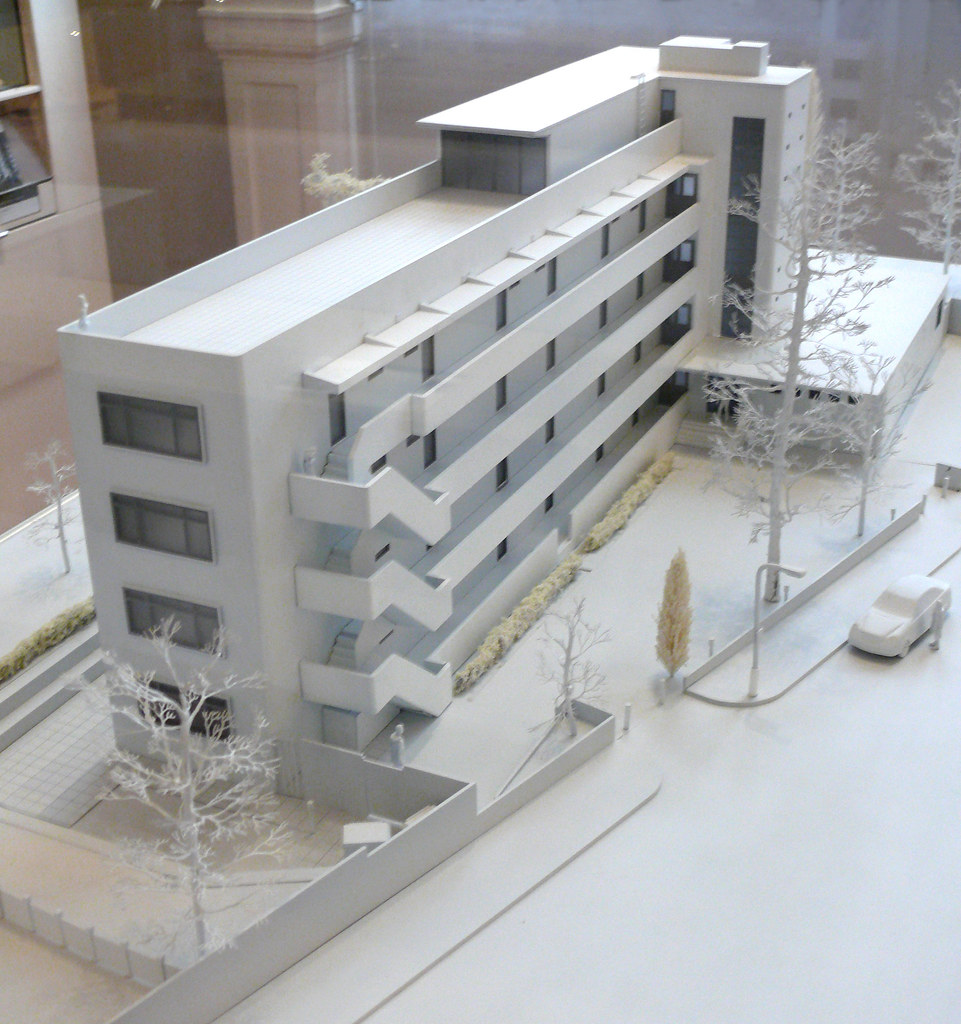 Model Isokon Building London  Architect Wells Coates