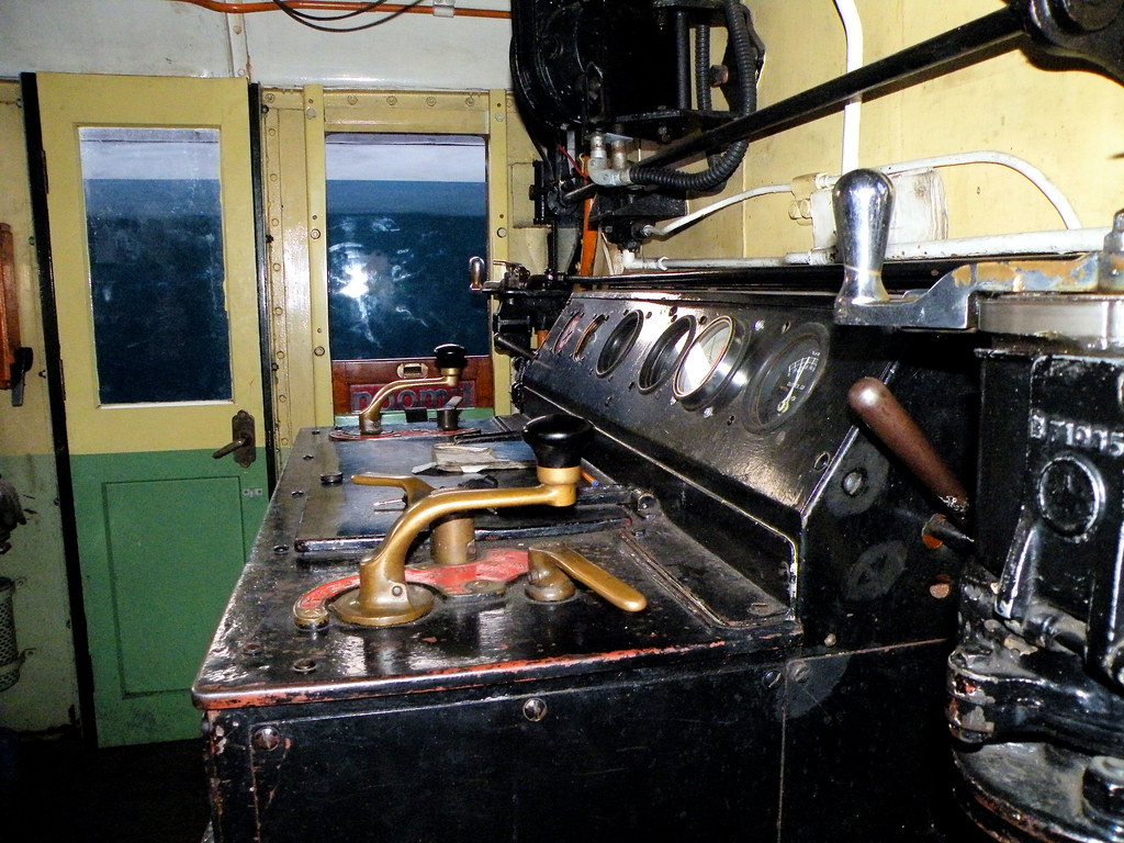 Class 08 Cab  The drivers desk of diesel shunter 08016