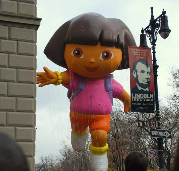 Macy' Thanksgiving Day Parade 2009 - Dora Explorer