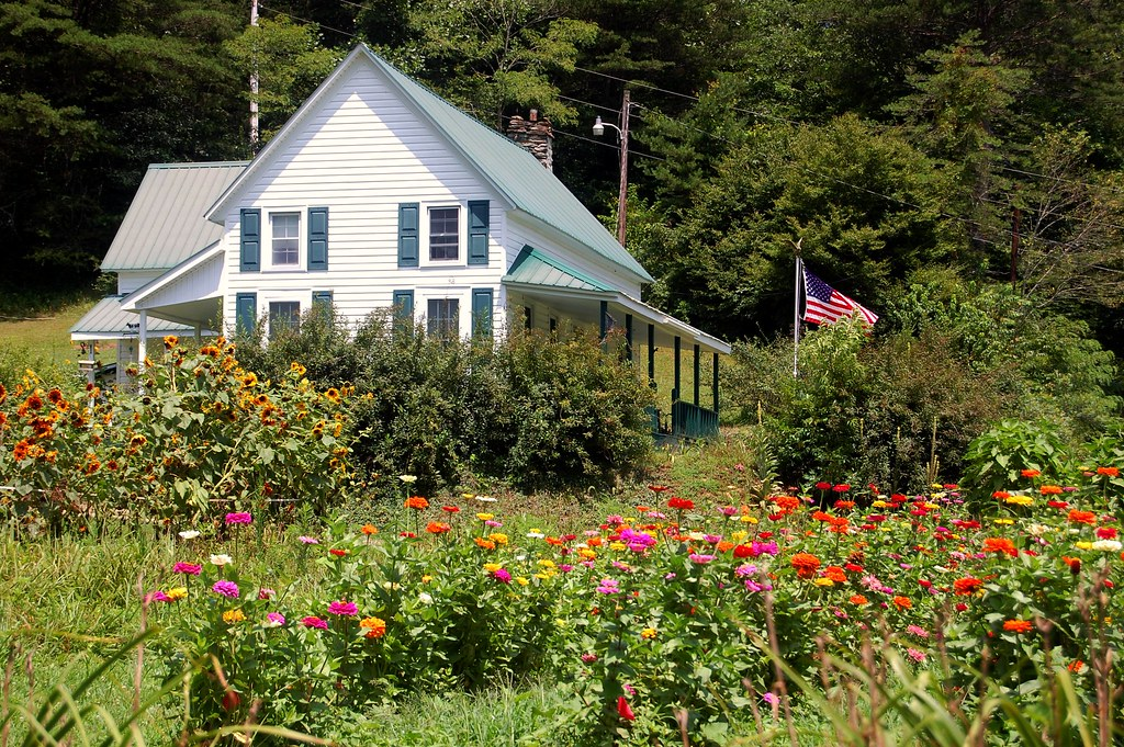 Farmhouse Flag