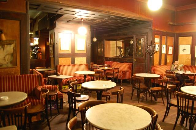 Caf Hawelka Wein  Cafe Hawelka Vienna  wwwhawelkaat