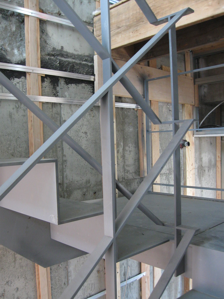 Handrail Switchback  38x1 12 painted steel bar