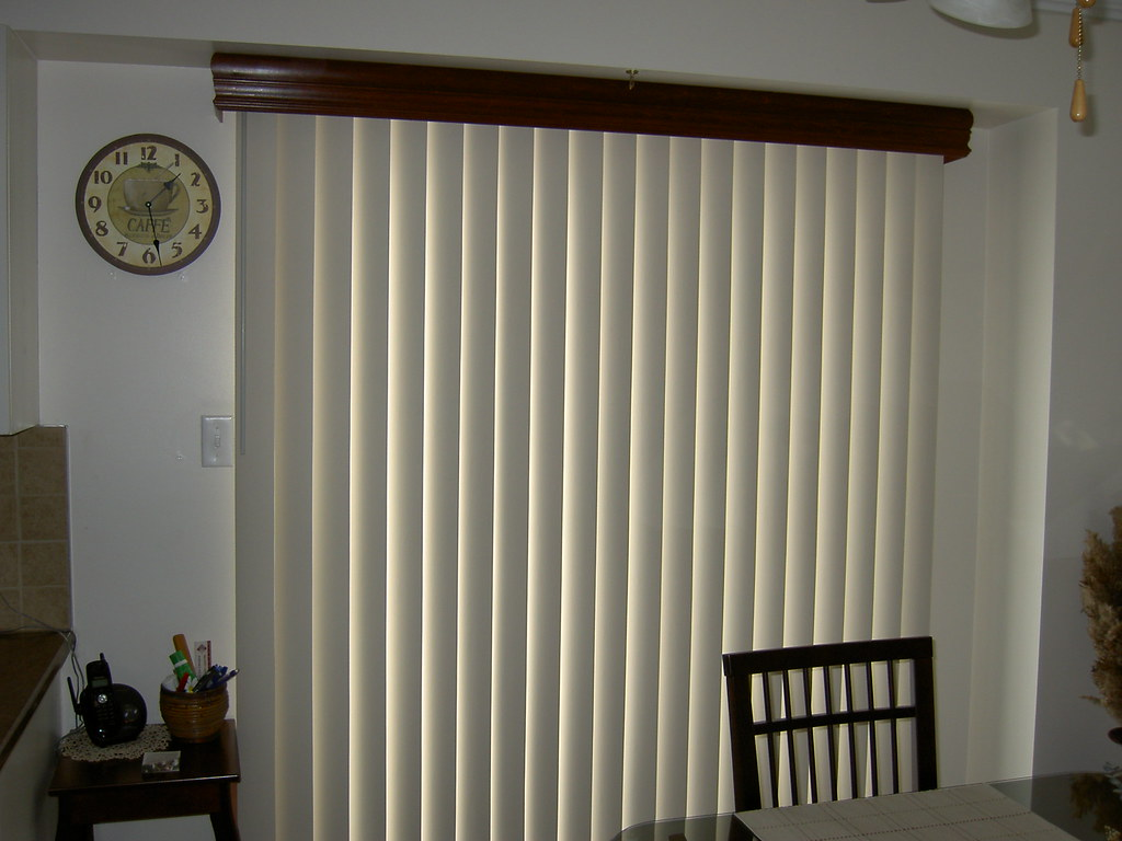 Vertical Blind With Wood Valance