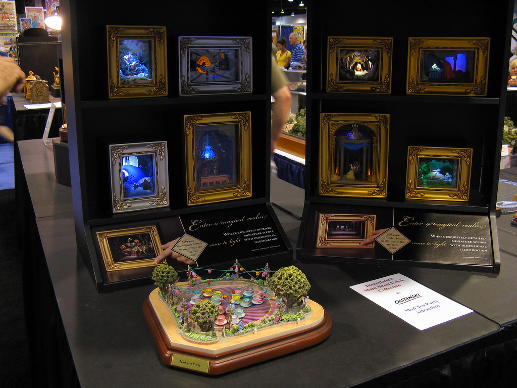 Gallery of Light Lighted Shadowbox scenes Olszewski Coll