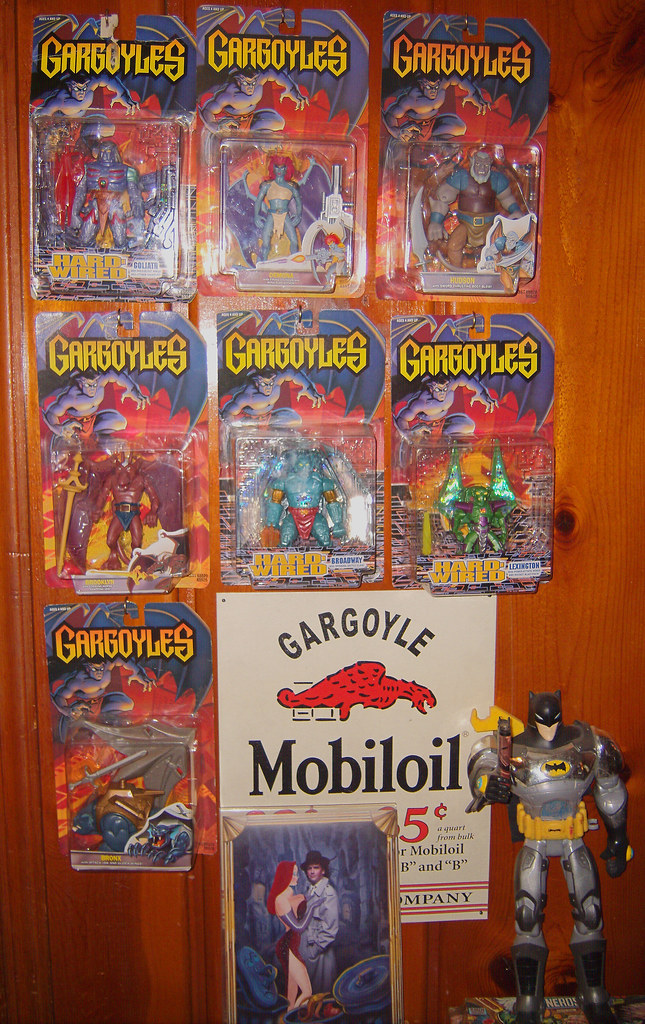 20090907  toys  action figures  Gargoyles  GEDC0022