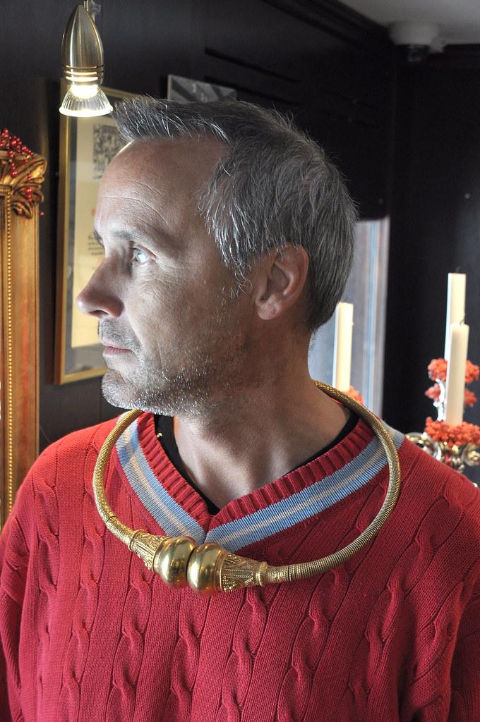 The man in red  Vart havor ringen tagit vgen  Lars