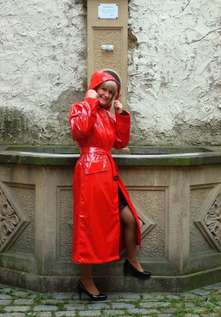 Roter Langer Lackmantel Snde Sari40 Flickr