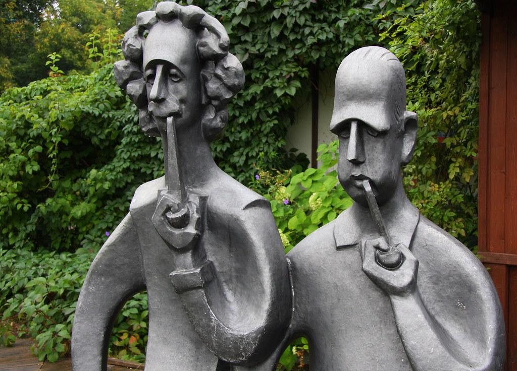 Sculpture Of Albert Einstein And Niels Bohr Louise