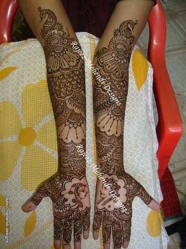 Aarthis Bridal henna front hands  Nov 16 2009  Chennai
